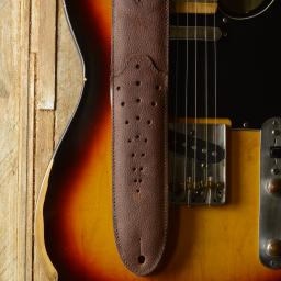 GS74 Tombstone Guitar Strap - brown