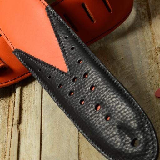 DSC_0977 GS70 orange black close.jpg